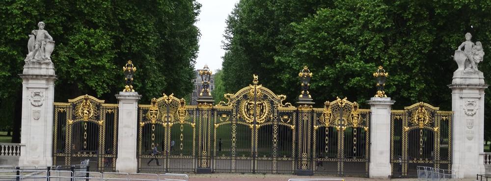 Canada Gate Green Park