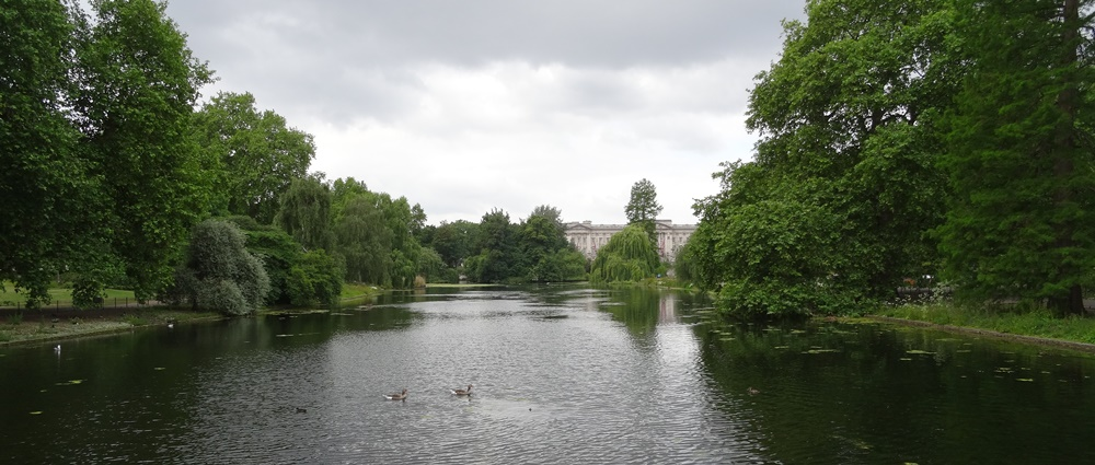 St. James Park London Buckingham Palace